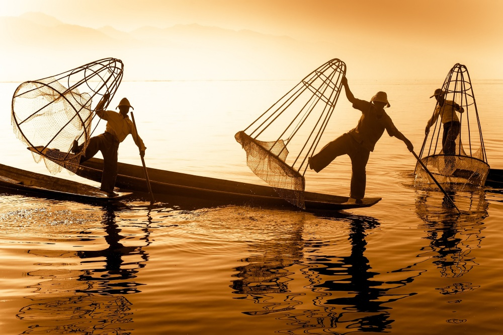 Inle Lake - pêcheurs.jpg